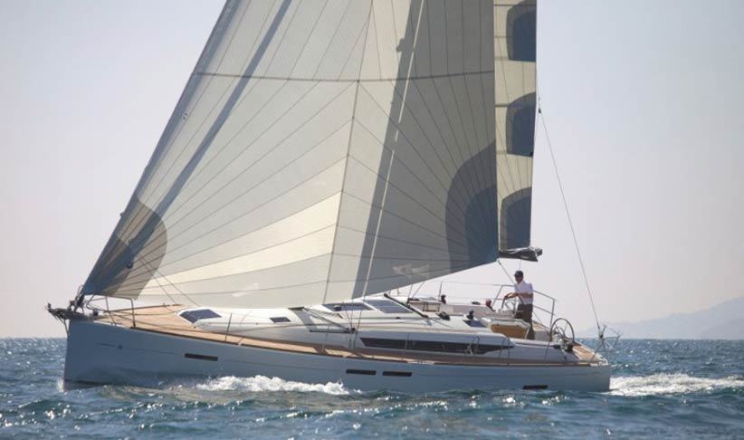 Jeanneau Sun Odyssey 439 yacht leaning to portside, while sailing on a charter from Ibiza to Formentera #ibiza #charter luxchartersibiza.com/boats/sailing-yacht-jeanneau-439