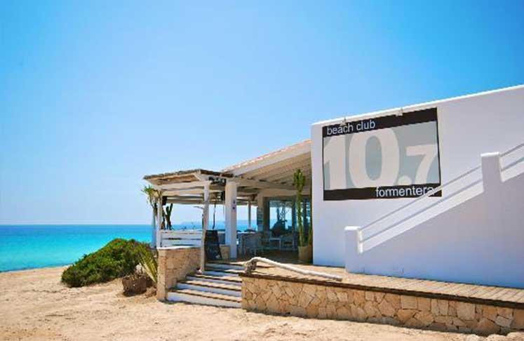 10 punto 7 Resturant in Playa es migjorn