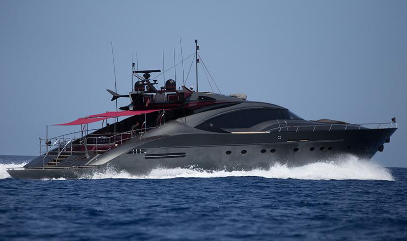Yacht Crew Luxembourg: PALMER JOHNSON 120 SUPERYACHT