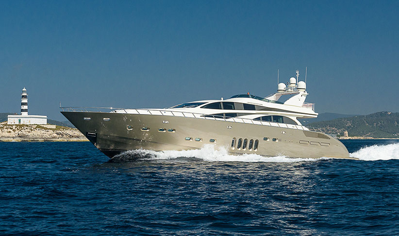 Leopard 32 Superyacht in Ibiza