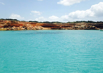 Relax on your vacation on board a catamaran navigating ibiza and formentera